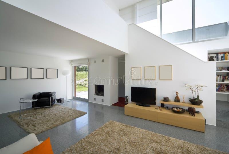 Modernes Ziegelsteininnenhaus stockfoto