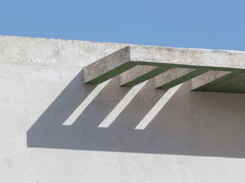 Modernist stijlbalkon die in Xemxija, Malta behandelen royalty-vrije stock foto