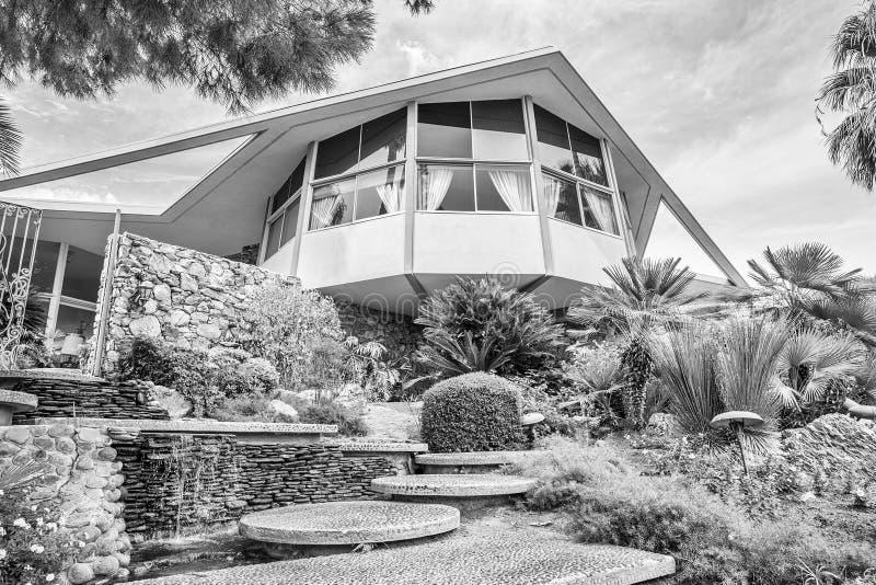 Modernistyczny Elvis Presley miesiąca miodowego dom w Czarny I Biały obraz royalty free