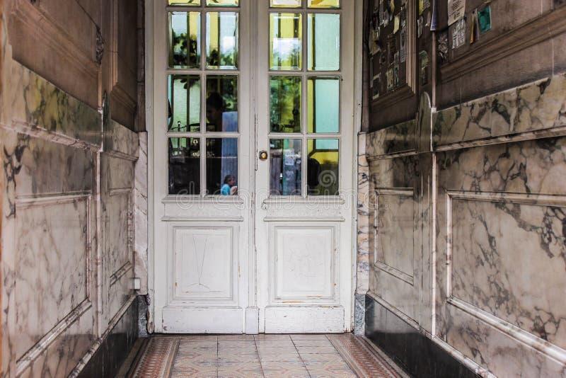Moderno architettonico di architettura d'annata del corridoio fotografia stock