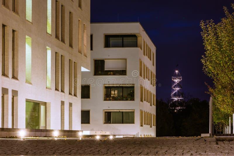 Moderno costoso del complejo de apartamentos de la vecindad de Killesberghoehe fotos de archivo libres de regalías
