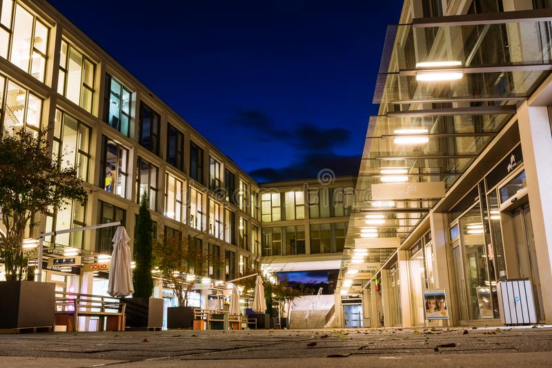 Moderno costoso del complejo de apartamentos de la vecindad de Killesberghoehe fotografía de archivo libre de regalías