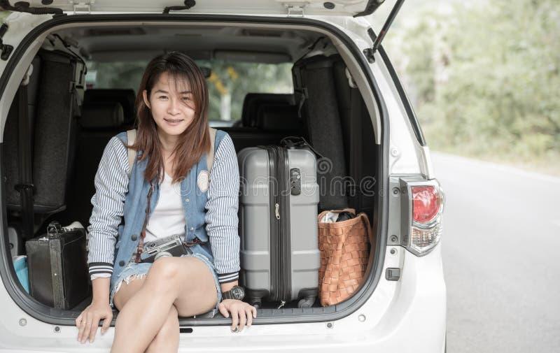 Moderno do jovem adolescente pronto para o curso foto de stock