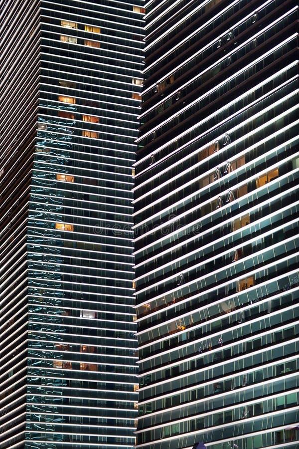 Moderno la noche de los edificios altos astana kazakhstan fotografía de archivo libre de regalías