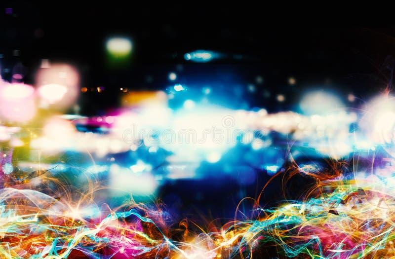 Modernt abstrakt rörelsebaner på mörk bakgrund arkivfoton
