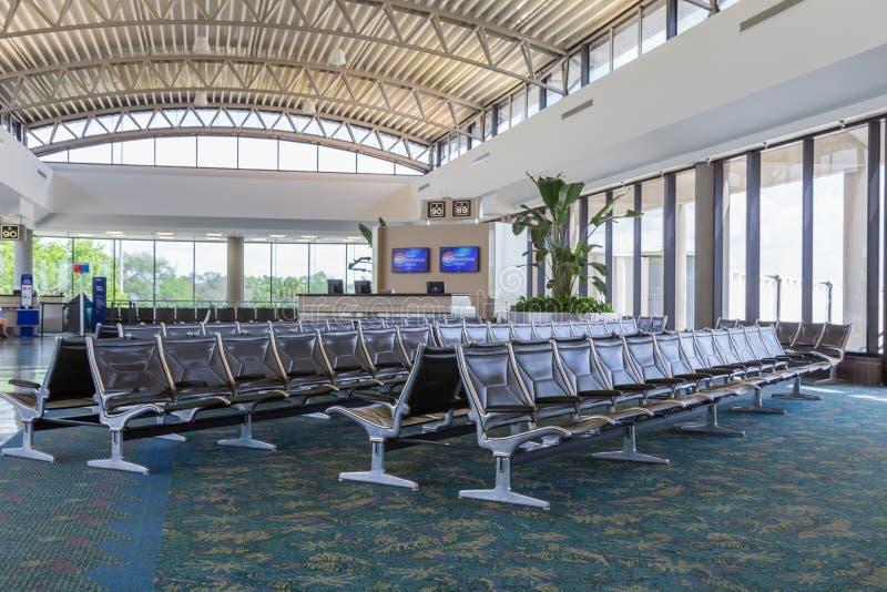 Modernt flygplatsportområde arkivfoto
