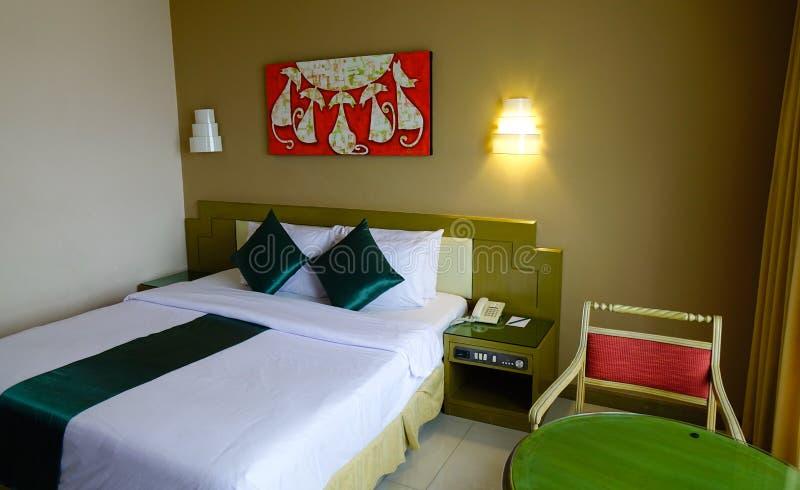 Modernt hotellrum i Bangkok, Thailand royaltyfri bild
