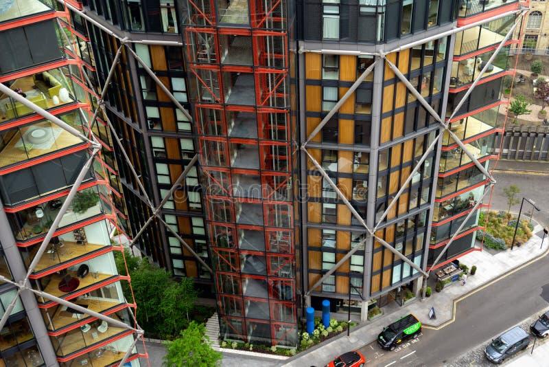 Modernt hus, bostads- skyskrapa i London, Förenade kungariket, Maj 21, 2018 arkivbilder