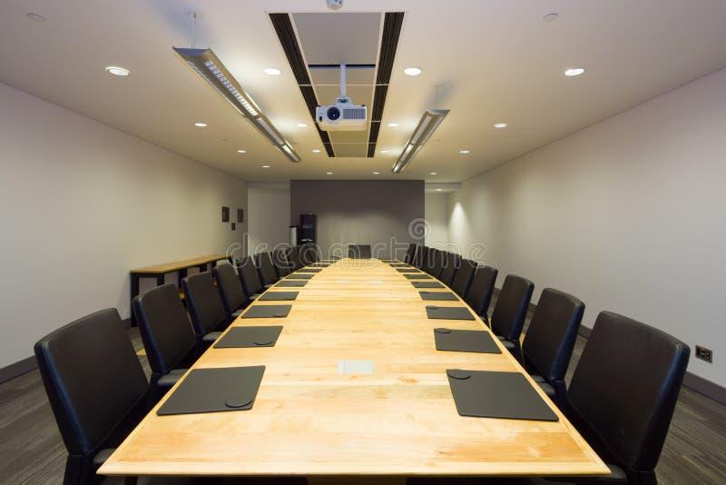modernt kontor för styrelse royaltyfri fotografi