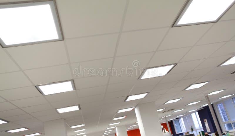 Modernt kontorsljus arkivfoto