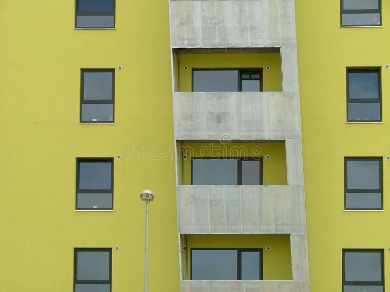 modernt lägenhethus royaltyfri fotografi