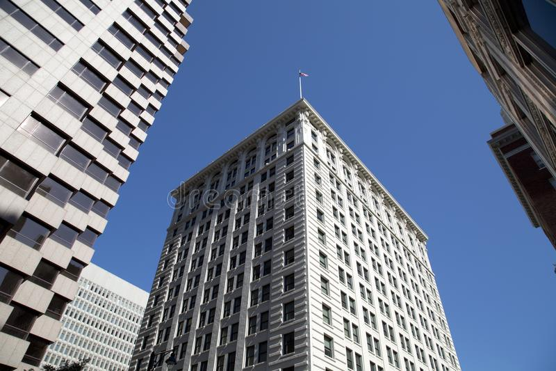 Modernt och historiska byggnader i centrum av staden Kansas royaltyfri fotografi