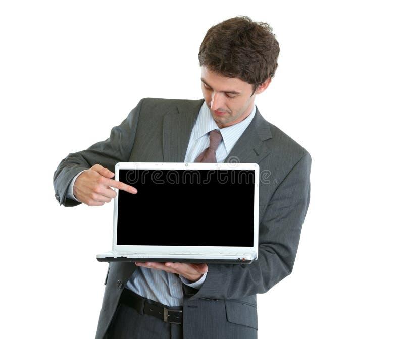 modernt peka för affärsmanbärbar dator arkivfoton