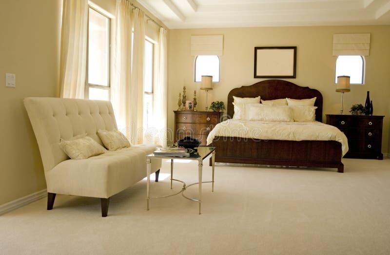 modernt sovrum fotografering för bildbyråer