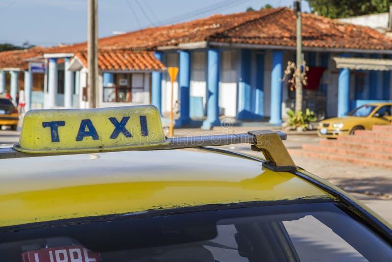 Modernt taxa på Kuba royaltyfria foton