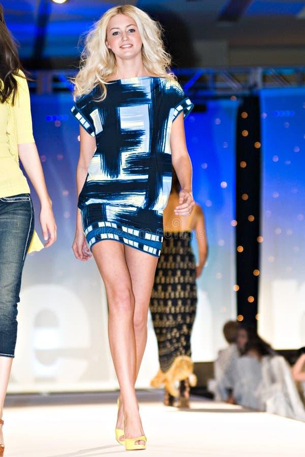 Modeshow van de Weg van Saks de Vijfde royalty-vrije stock fotografie