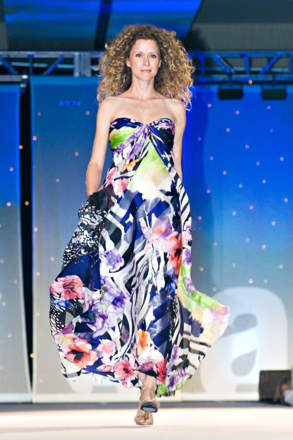 Modeshow van de Weg van Saks de Vijfde stock afbeelding