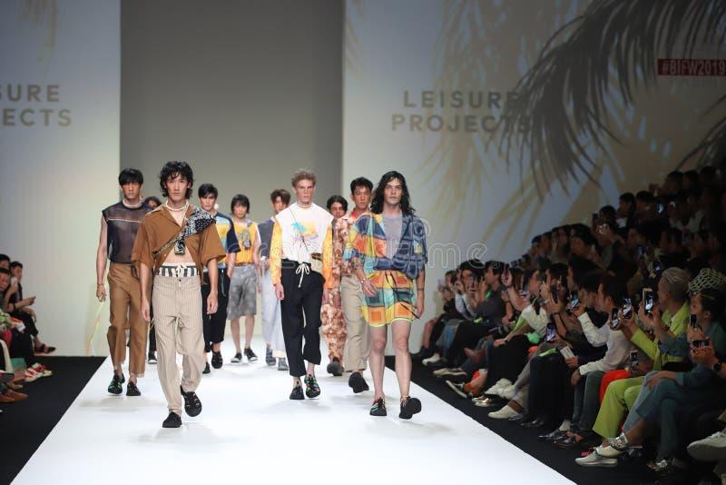 Modeshow van Nieuwe Inzameling in Internationale de Manierweek 2019, BIFW '19 van Bangkok stock foto
