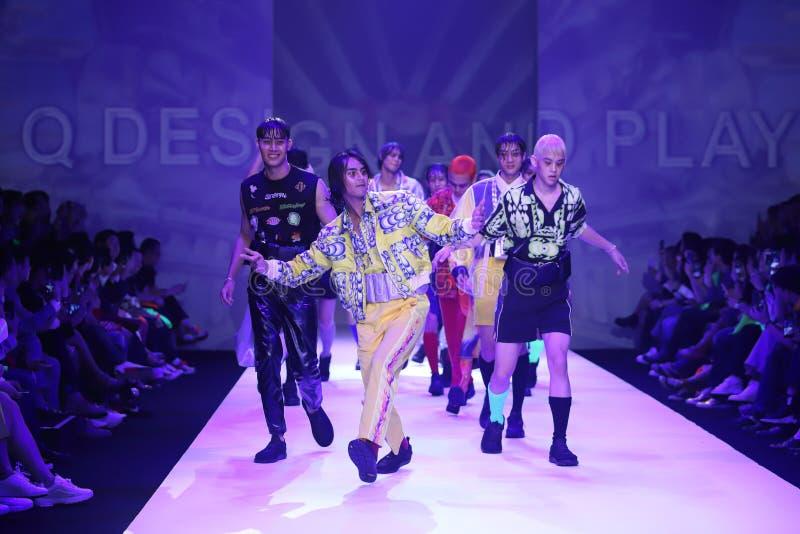 Modeshow van Nieuwe Inzameling in Internationale de Manierweek 2019, BIFW '19 van Bangkok stock afbeelding