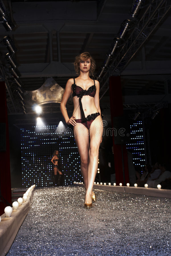 Modeshow in Warshau stock afbeeldingen