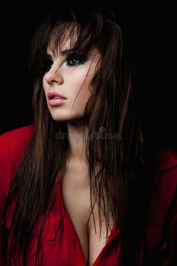 Modeskönhetmodell med rökiga ögon arkivfoto