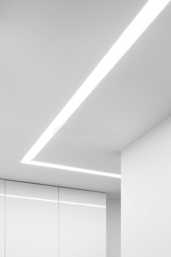 Modieus en decoratief geleid plafondlicht royalty-vrije stock afbeeldingen