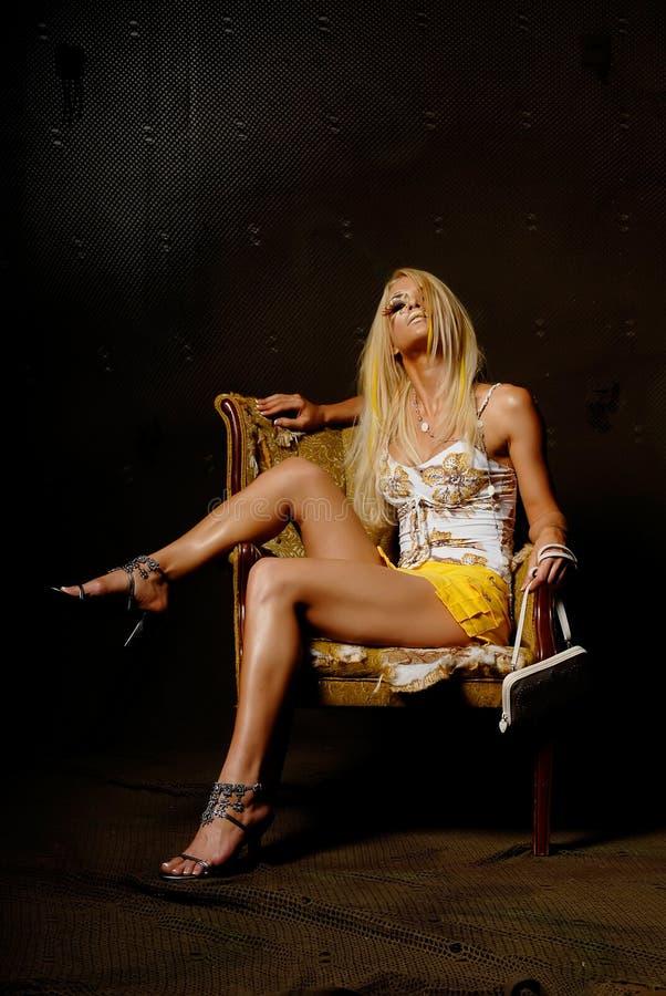 Modieuze blonde vrouw royalty-vrije stock foto