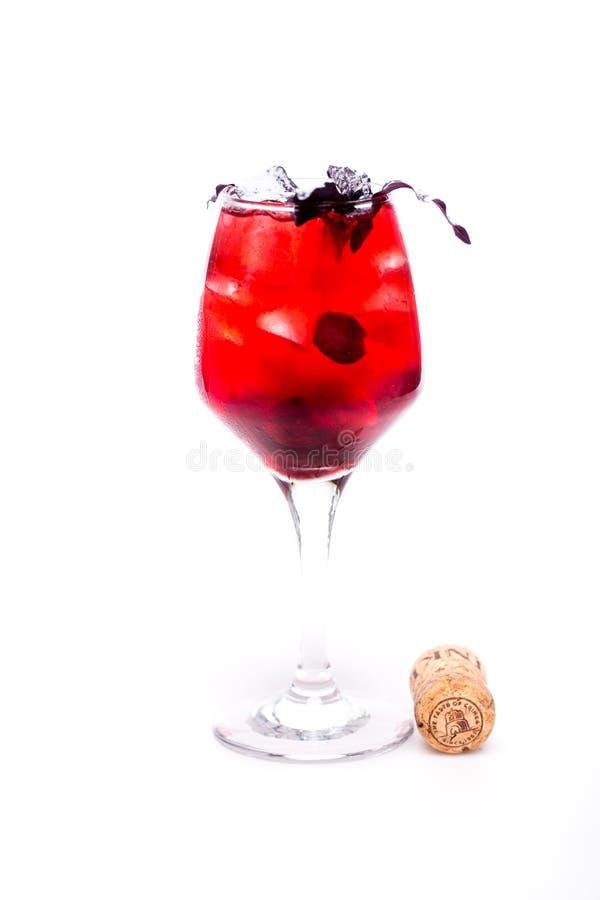 Modieuze cocktail op witte achtergrond royalty-vrije stock afbeeldingen