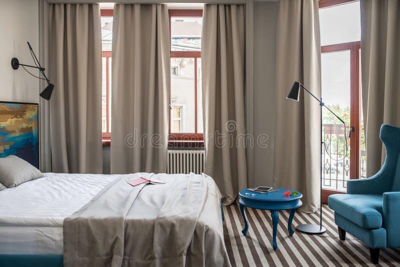 Modieuze hotelruimte royalty-vrije stock afbeelding