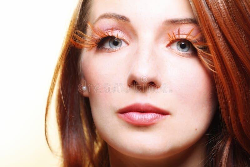 Modieuze maakt creatief van de de herfstvrouw omhoog valse oogzwepen royalty-vrije stock foto's