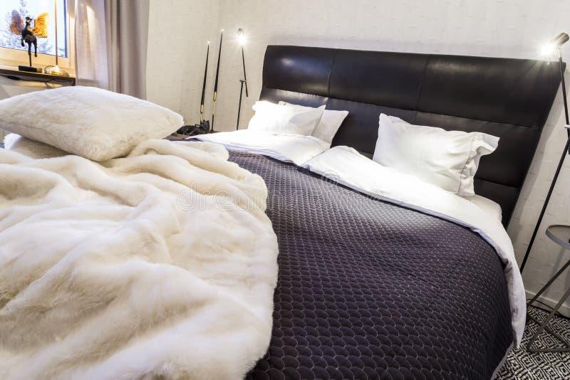 Modieuze Slaapkamer stock foto