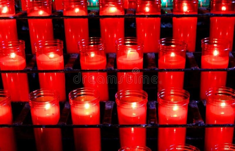 Modlitewne świeczki bazyliki Monestir monasteru Montserrat obrazy stock
