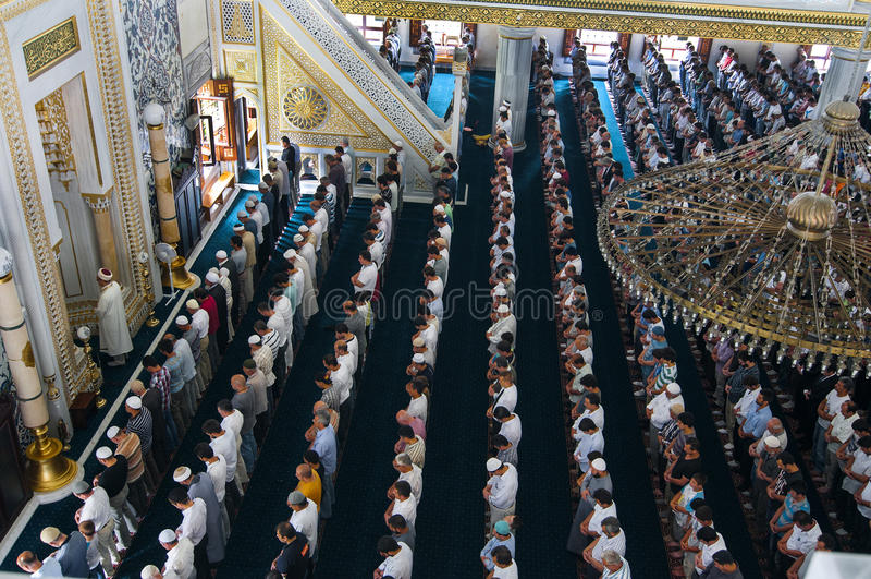 Modlitewny Piątek muzułmański meczet Tunahan Turcja fotografia royalty free