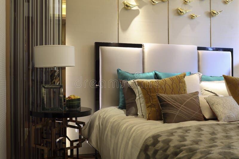 Modna sypialnia zdjęcie royalty free