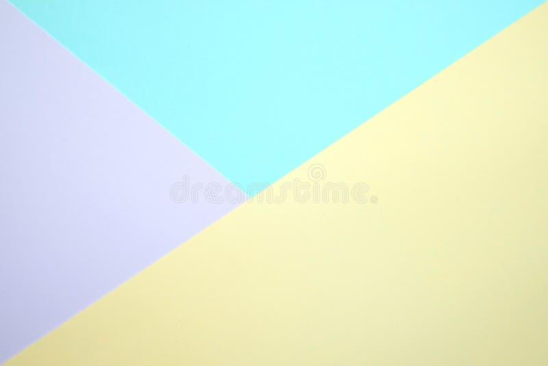 Modnego pastelowego barwionego papierowego mieszkania nieatutowy odgórny widok, geometryczny b obraz royalty free
