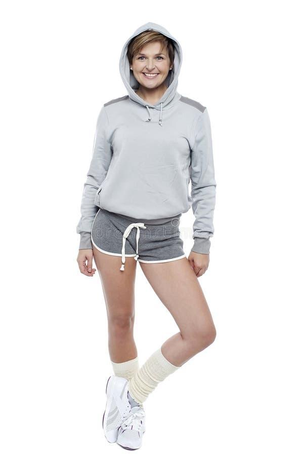 Modnej retro kobiety wzorcowy target657_0_ w stylu fotografia stock
