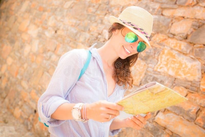 Modniś dziewczyny podróż zdjęcia royalty free