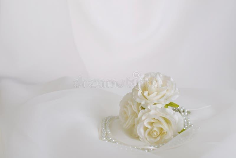 Modny akcesorium z kwiatami fotografia royalty free