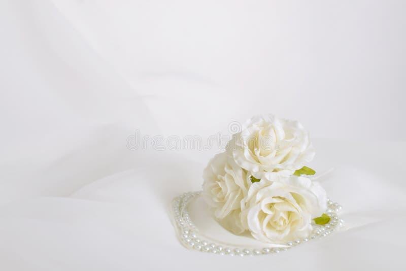 Modny akcesorium z kwiatami obraz royalty free