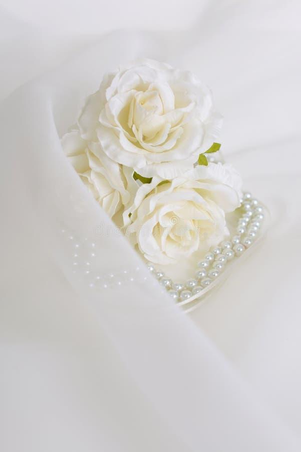 Modny akcesorium z kwiatami fotografia stock