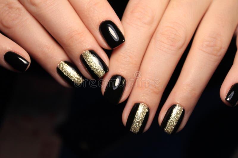 modny czarny manicure obrazy stock