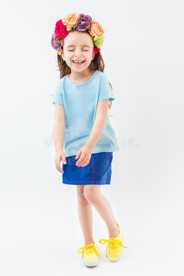Modny szczęśliwy dowcipu dzieciak zdjęcia stock