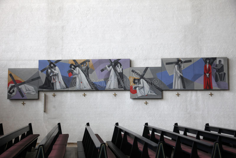 Modo dell'incrocio nella chiesa della trinità santa in conduttura di Gemunden  fotografie stock libere da diritti