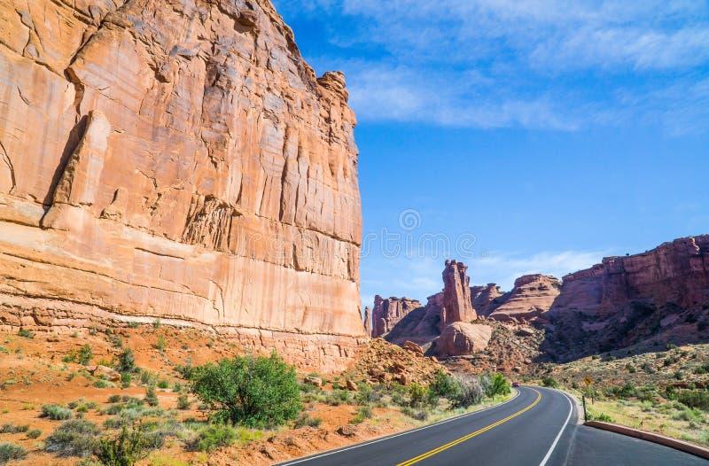 Modo di strada dell'Utah del parco nazionale di arché fotografia stock