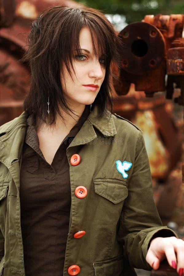 Download Modo ispirato militare fotografia stock. Immagine di brunette - 7319836
