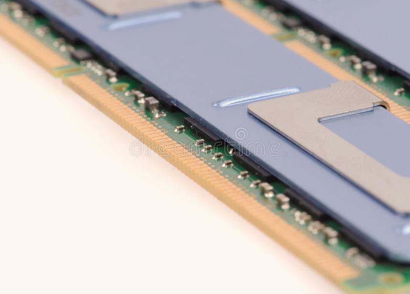 Moduły pamięci komputera na białym tle zdjęcie stock