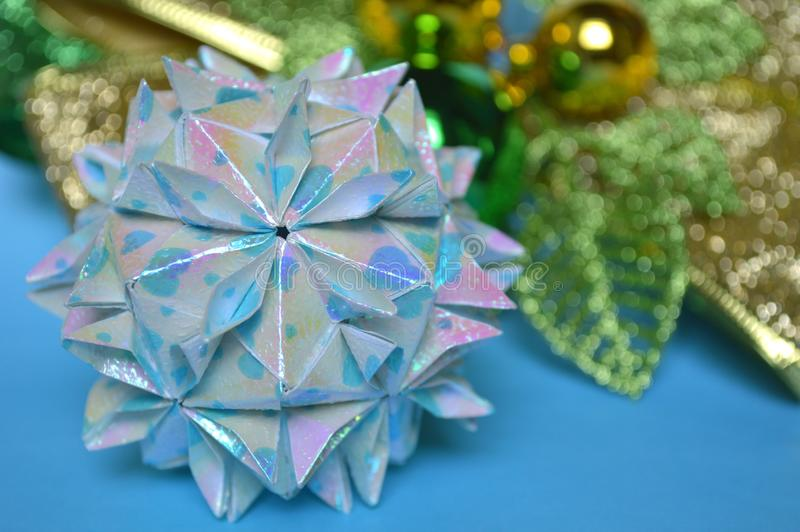 Modularer Origami, Kirschblütenball lizenzfreie stockfotografie