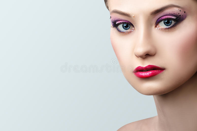 Mody blondynki modela portreta profesjonalisty makeup zdjęcie royalty free