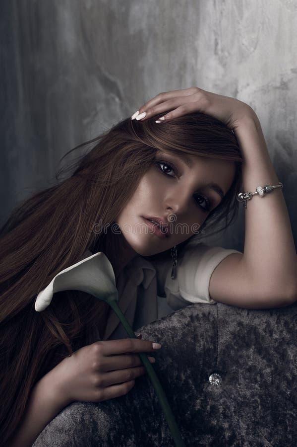 Mody fotografia młoda wspaniała kobieta tła dziewczyny target321_0_ woda Pracowniana fotografia obraz royalty free