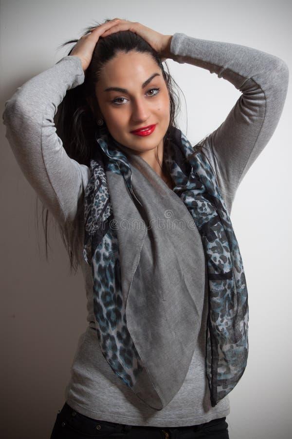 Mody fotografia młoda wspaniała kobieta tła dziewczyny target321_0_ woda Studio ph fotografia stock